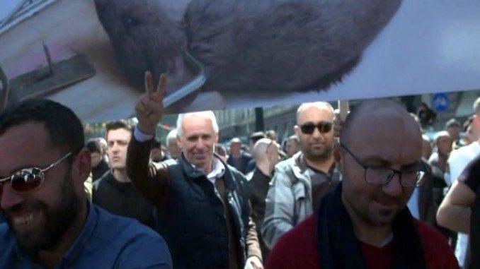 protest albania tirana boulevard